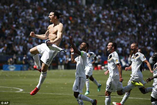 Ibra bùng nổ trên đất Mỹ: Nghi án Mourinho ép rời MU vì Lukaku 2