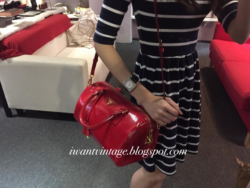 5e4a09031705 ... black nero 8a6a1 e5ca2  new zealand prada saffiano lux patent bowler bag  red 66379 4ab4a