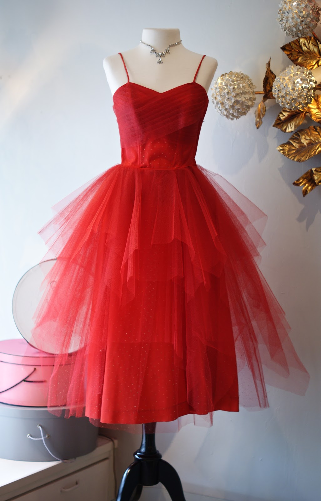 fcf9e295e04 1950 s Scarlet Emma Domb party dress. Waist 25