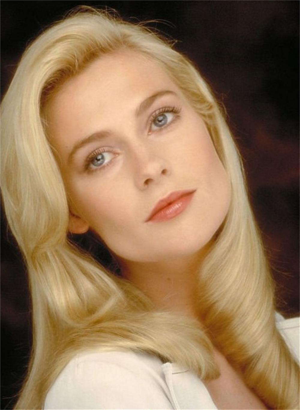 Actress And Celebrity Pictures Alison Doody-8714