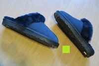 Seitenansicht: BOnova® Helsinki - Warme und kuschelige Hausschuhe aus echtem Lammfell in 5 Farben für Damen