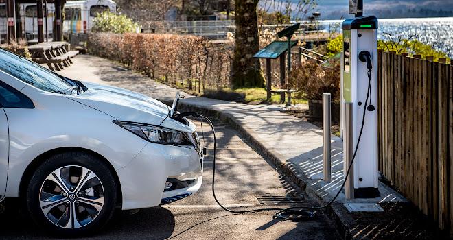 Nissan Leaf 2 charging