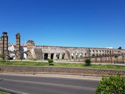Acueducto romano de San Lázaro