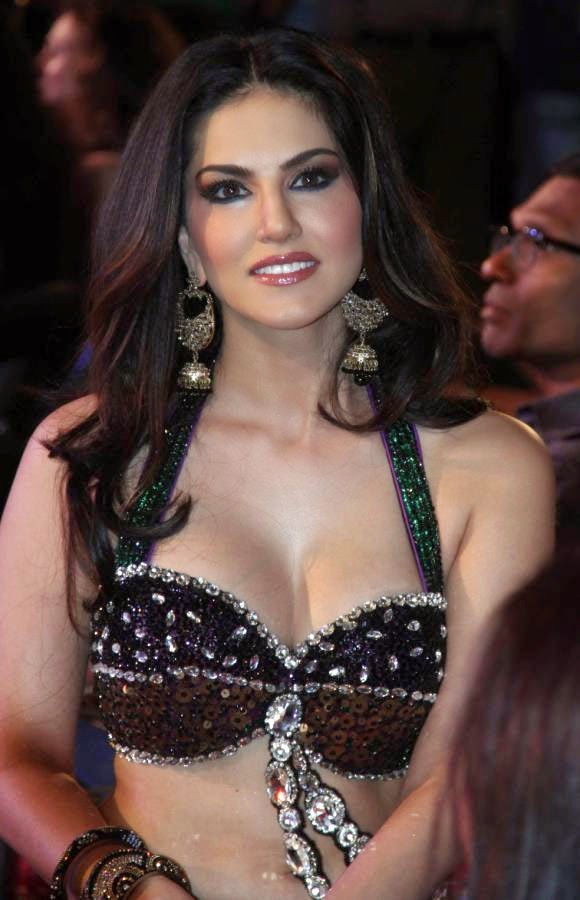 Indian Actress Best Cleavage Photos - Ophotoshoot-7716