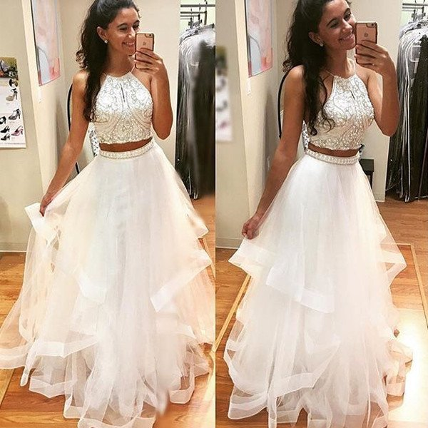 http://www.lisadress.co.uk/2017-two-piece-white-prom-dresses-p-43733.html
