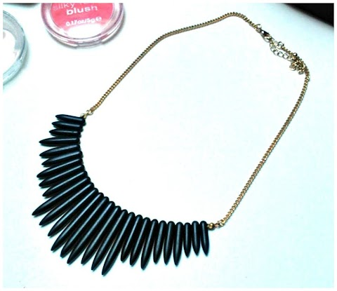 Beautiful Black Statement Necklace
