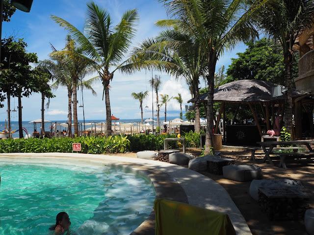 Beach Club di Sanur Bali