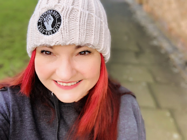 mandy in a hat celebrating the northern soul movement from 45 revs, mandy charlton, photographer, blogger, the joy of missing out