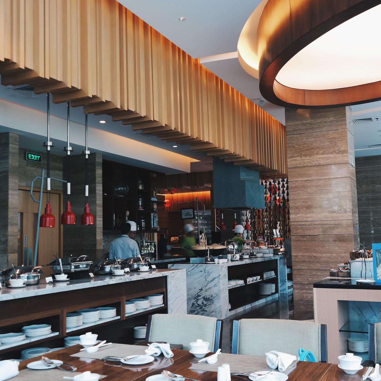 Tummy Prosperity International Brunch At Botany Restaurant Holiday Inn Kemayoran
