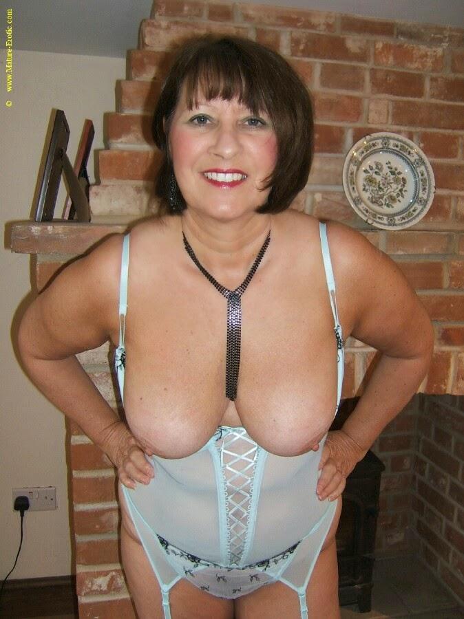 Casey deluxe sexy suspender dance von 2012 - 1 part 1