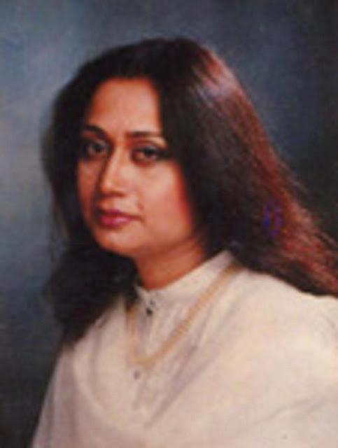 तेरी ख़ुश्बू का पता करती है Urdu Gazal By Parveen Shakir