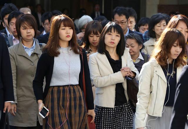 Apenas homens no Japão tem direito a contestar o parentesco de uma criança - e as mulheres não podem fazer nada contra isso.