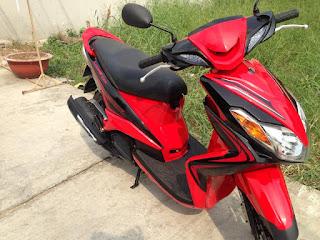 Yamaha Luvias GTX sơn phối màu đỏ đen