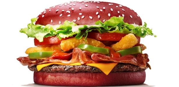 Burger King lança Whopper Furiosaço, com pão vermelho