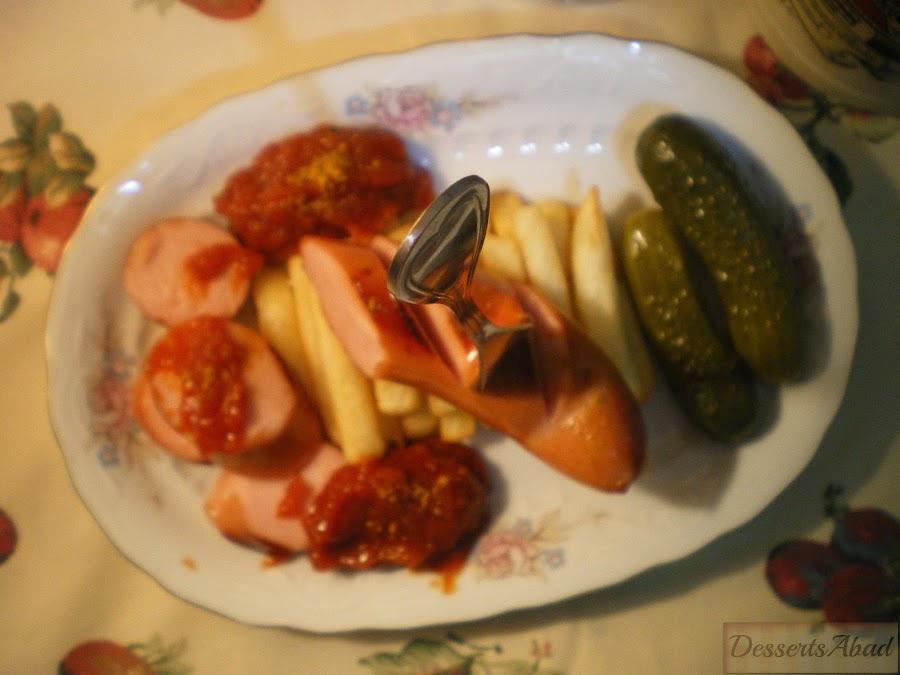Currywurst {Salchichas con salsa de tomate al curry}
