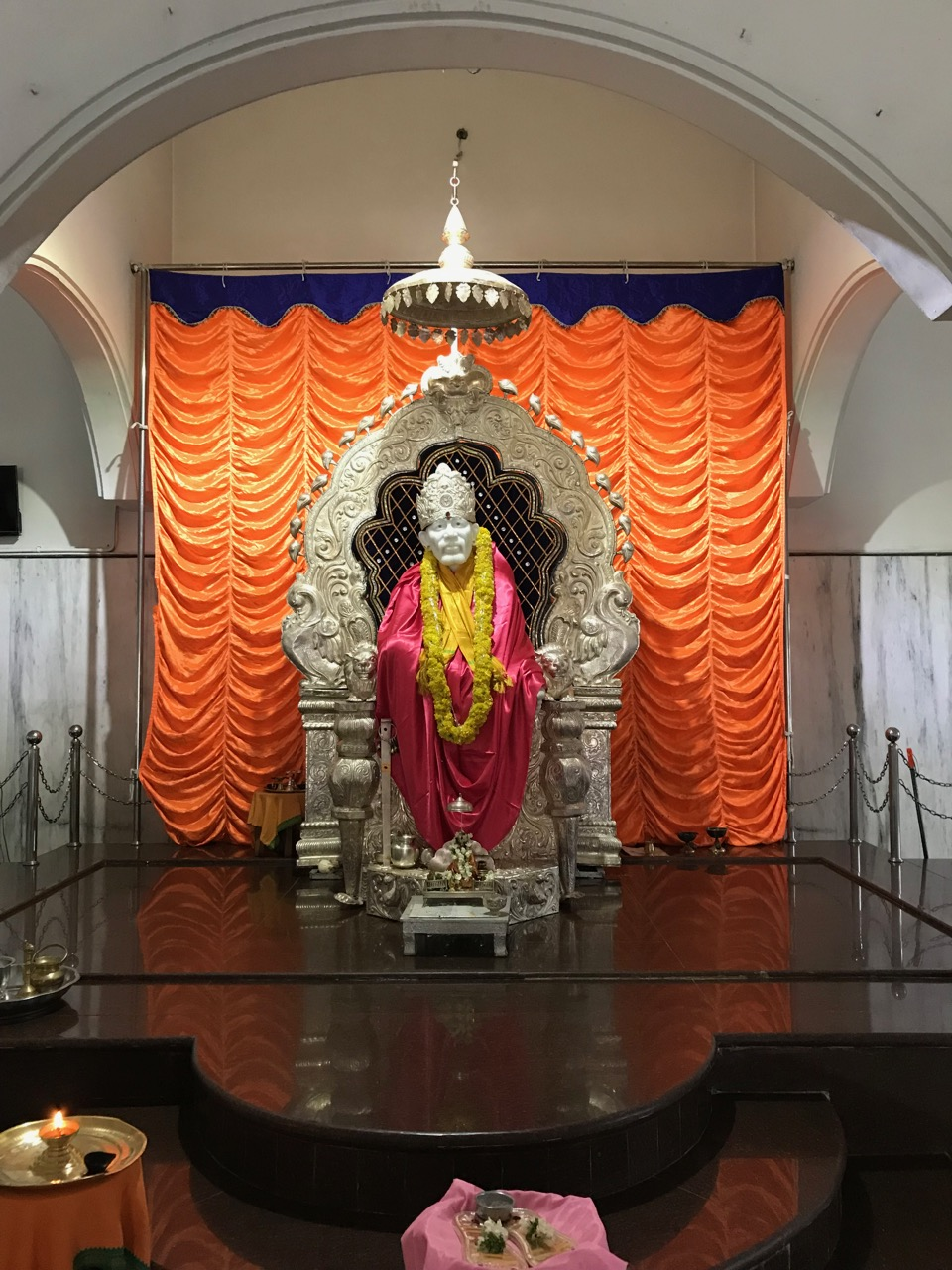The Hours My Memoir October 2017 Posted By Srihari Rao On Thursday January 6 2011 5comments I Walked To Ventakeshwara Swamy Temple That Was Closed So Decided Walk Sai Bhaba Empty And Thus Peaceful