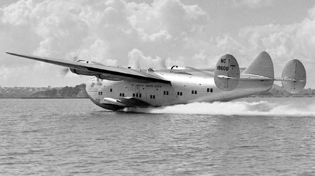 7 December 1940 worldwartwo.filminspector.com Boeing 314 Clipper New Zealand