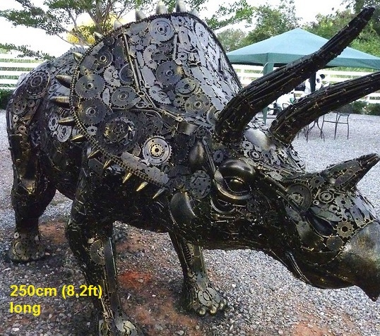 12-Dinosaur-Triceratops-Namfon-Suktawee-Animals-Art-made-by-Upcycling-Scrap-Metal-in-Thailand-www-designstack-co