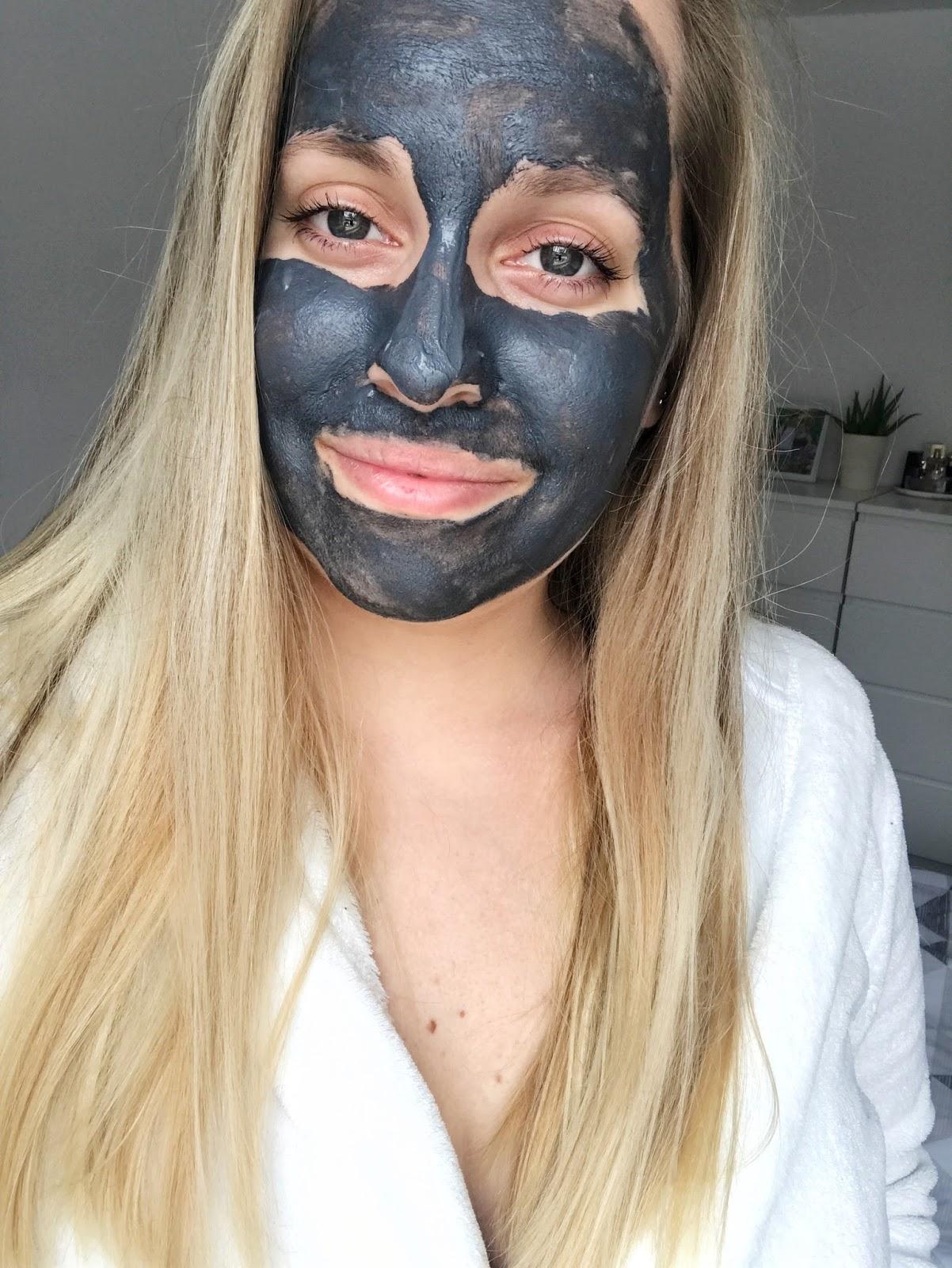Dr. Organic Aktivno oglje, Dr. Organic Activated Charcoal, black mask, črna maska