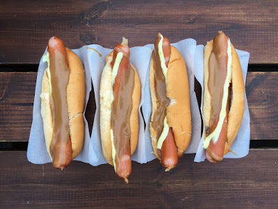 Icelandic hot dogs should be part of your 5-day or 7-day itinerary in Iceland