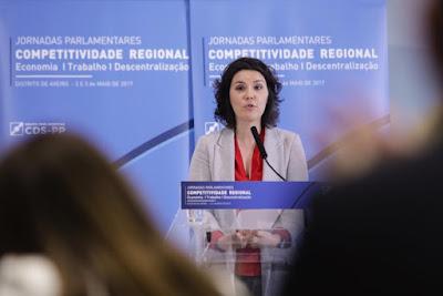 https://www.publico.pt/2017/05/03/politica/noticia/assuncao-cristas-ataca-regularizacao-dos-precarios-no-estado-1770852