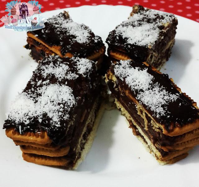 bisküvi pastasi tarifi, kolay pasta tarifleri, pudingli tarifler