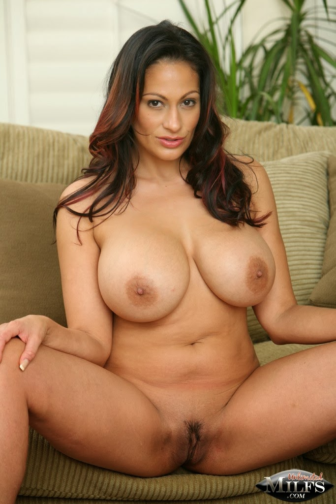 ramya-krishnan-hot-sexy-nufe-jerri-ryan-nude-pics