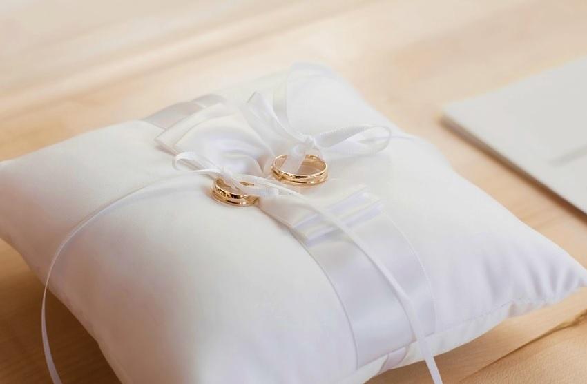 ślub, obrączki, wesele, poduszka, rodzina, związek