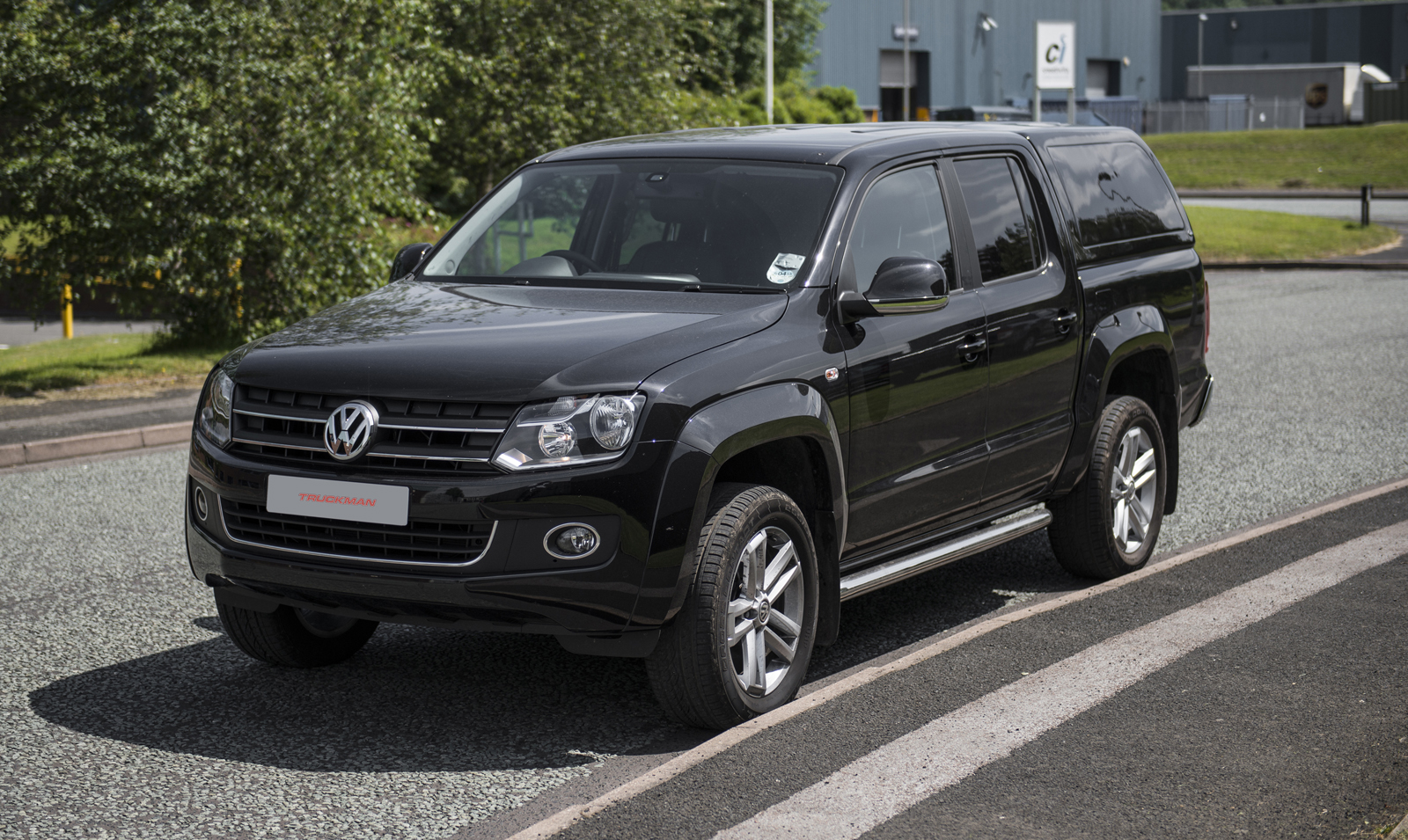 should volkswagen build an amarok based suv w poll carscoops. Black Bedroom Furniture Sets. Home Design Ideas