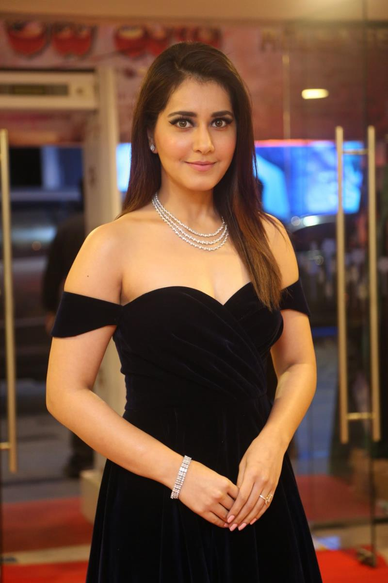 Rashi Khanna Stills At Telugu Film Audio Launch ❤