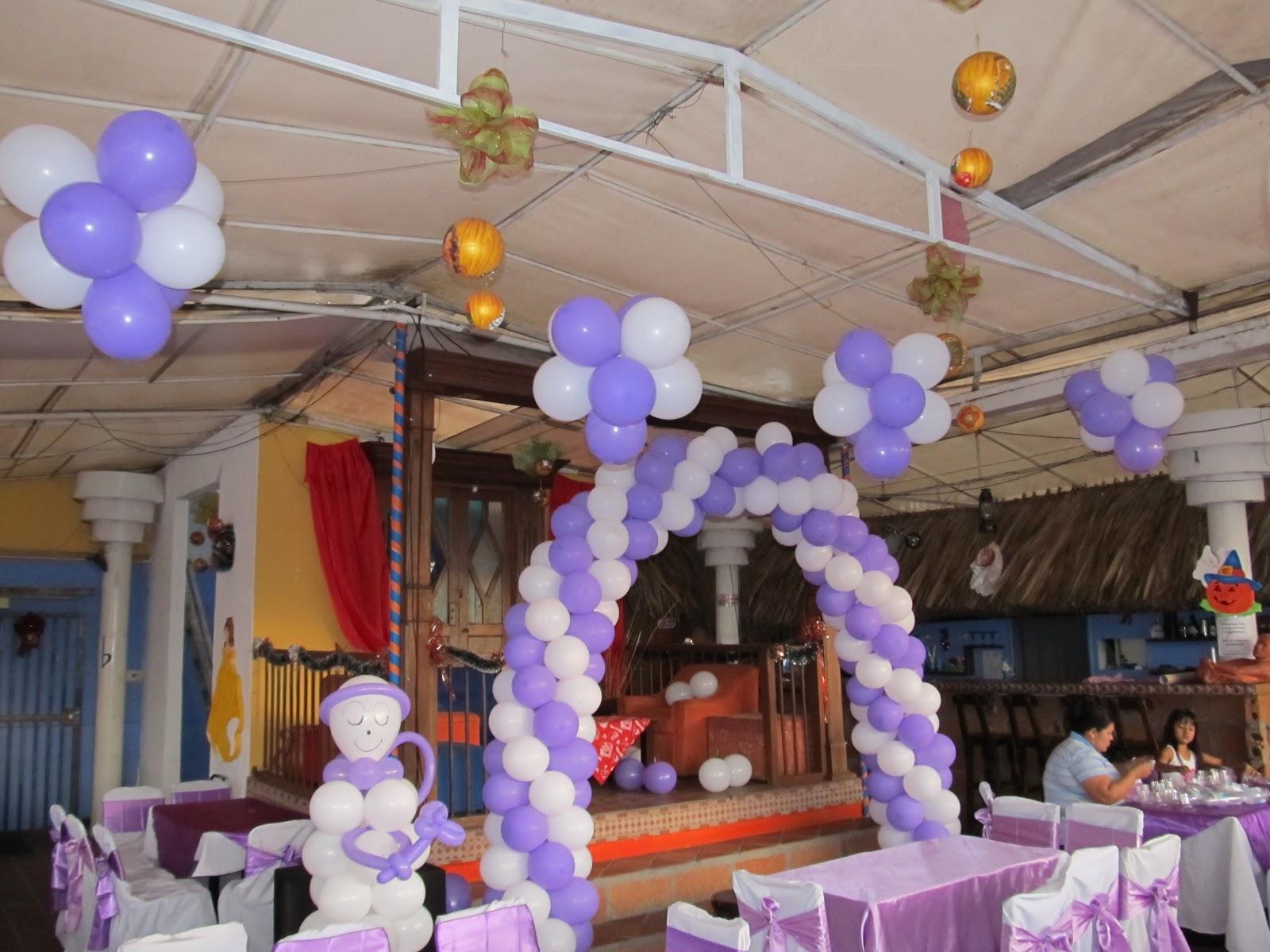 Decoracion primera comunion angeles y arcos con globos - Decoracion primera comunion ...