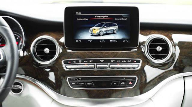 Mercedes V220 d Avantgarde 2017 sử dụng Hệ thống giải trí tiên tiến và hàng đầu của Mercedes hiện nay