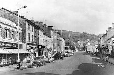 Car Dealerships In Brooklyn >> transpress nz: cars in Broad Street, Newtown, Wales 1966