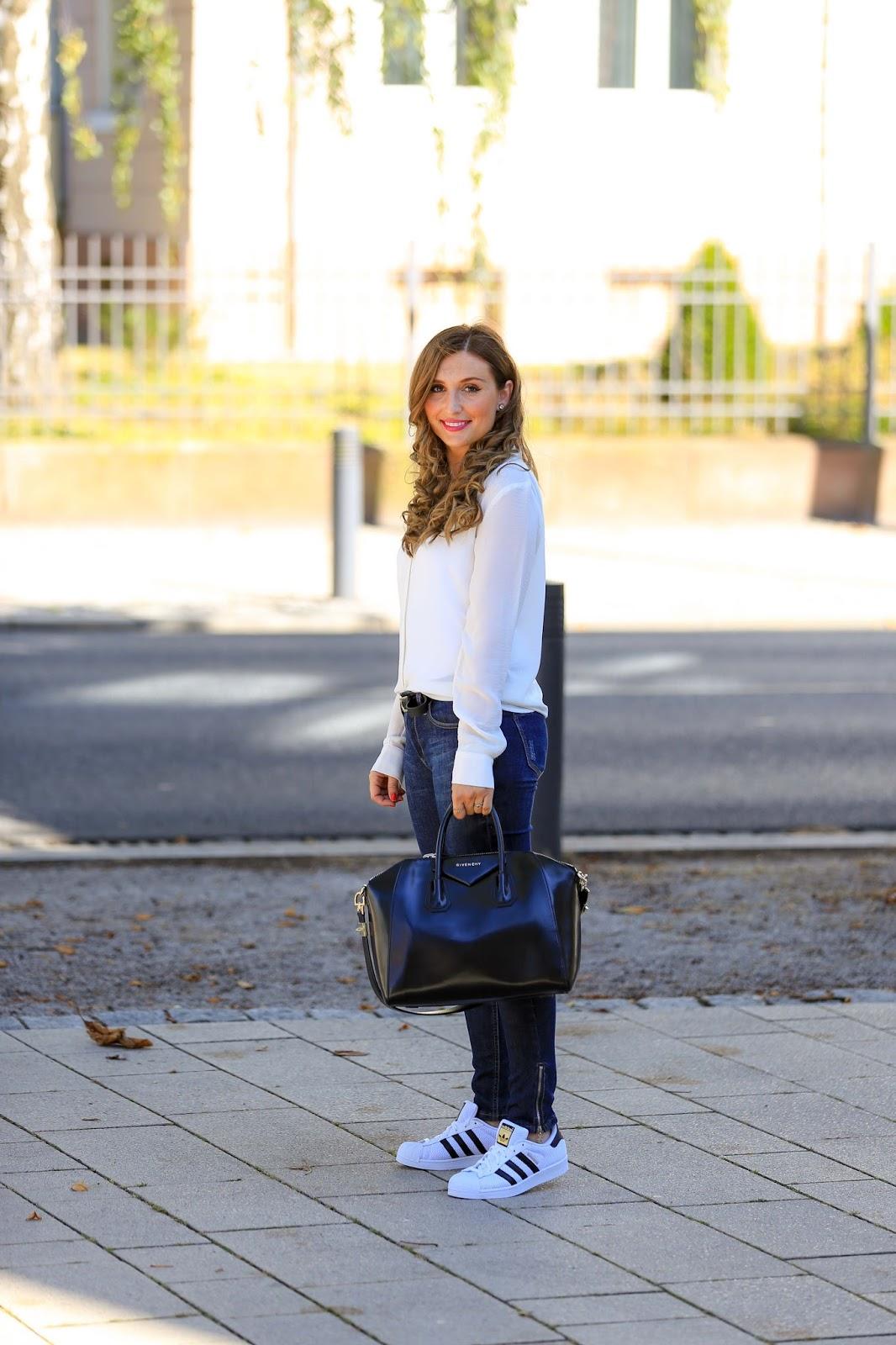 Streetstylelook - Fashionstylebyjohanna-Blogger-Fashionblog-Outfit-Modeblog-München-deutsche-Fashionblogger-Influencer-rosa-GivenchytascheiPhone