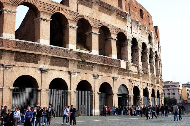 Kolosseum i Vittorio Emanuele co warto zobaczyć w Rzymie?