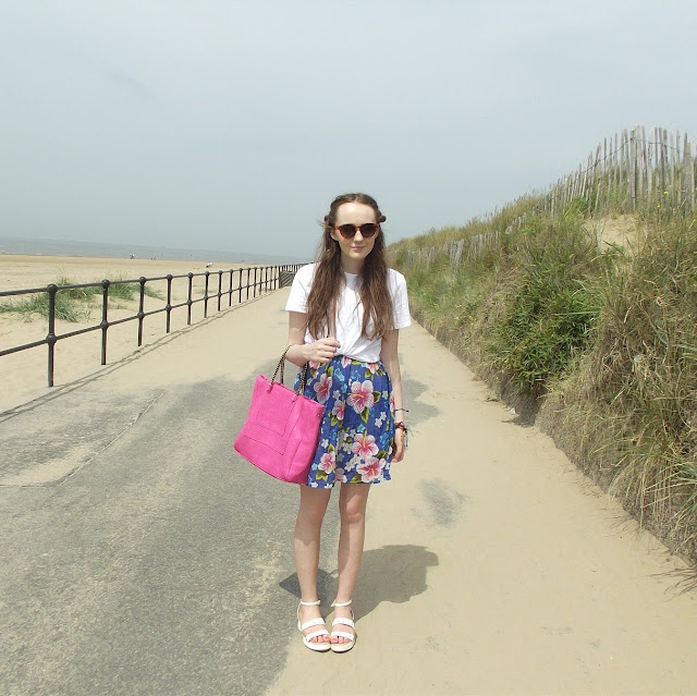 full outfit photo, beach promenade, walk, crosby beach