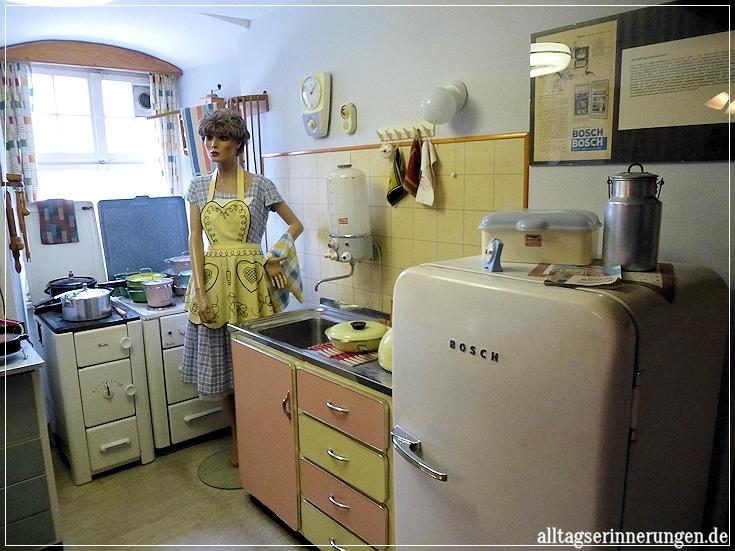 erinnerungen aus dem alltag im 50er jahre museum unterwegs fortsetzung. Black Bedroom Furniture Sets. Home Design Ideas