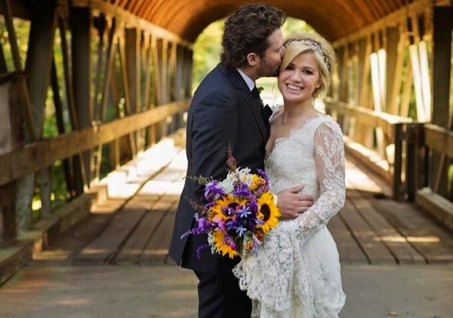 Kelly Clarkson Wedding.Kelly Clarkson Marries Brandon Blackstock In Private Wedding