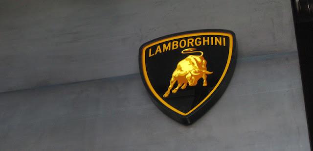 ランボルギーニ、創業者生誕100周年記念の新型スーパーカーを公開へ!