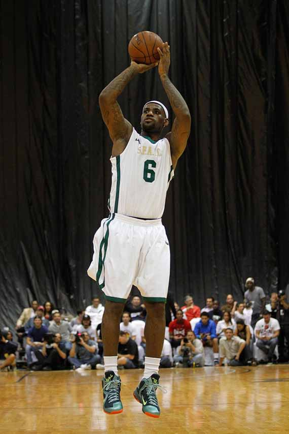 official photos cf800 f421d LeBron James Wears Nike LeBron 9  Cannon  During South Florida Classic