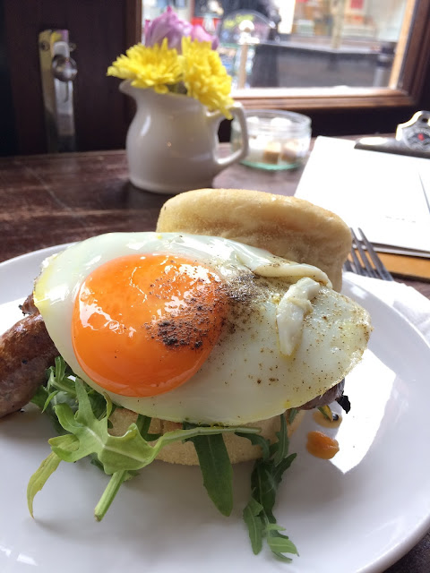 merguez sausage, fried egg, English muffin, Leicester