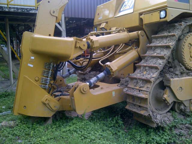 Global Used Construction Equipment: 2011 Caterpillar D10T