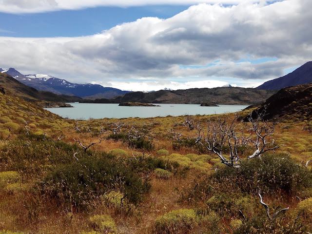 Lago Nordenskjöld desde el sendero al mirador Cuernos del Paine