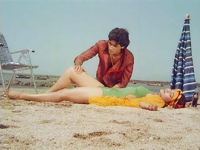 Purana Mandir Mohnish & Aarti Gupta at Beach