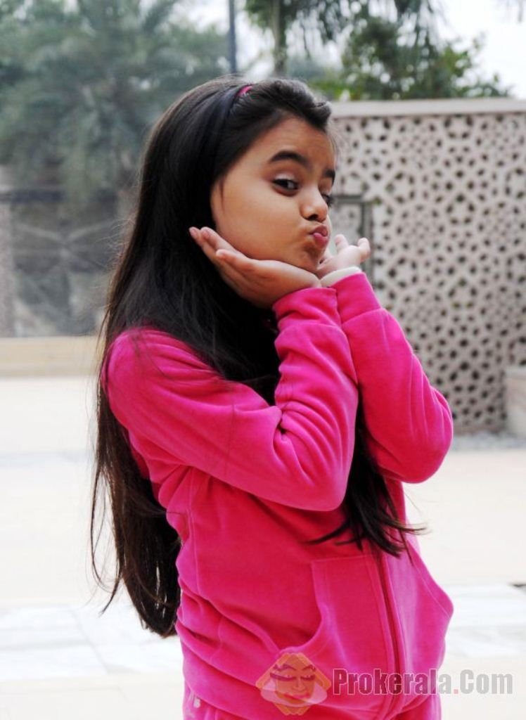 Foto Ruhanika Dhawan_Pemeran Ruhi Raman Bhalla_Serial Mohabbatein ANTV_Cantik Imut Cerdas_sembilan