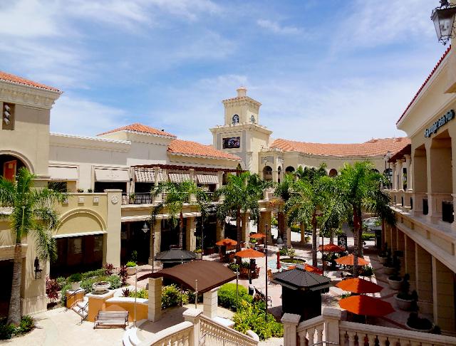 Vista de cima do Shopping The Village At Gulfstream Park em Miami