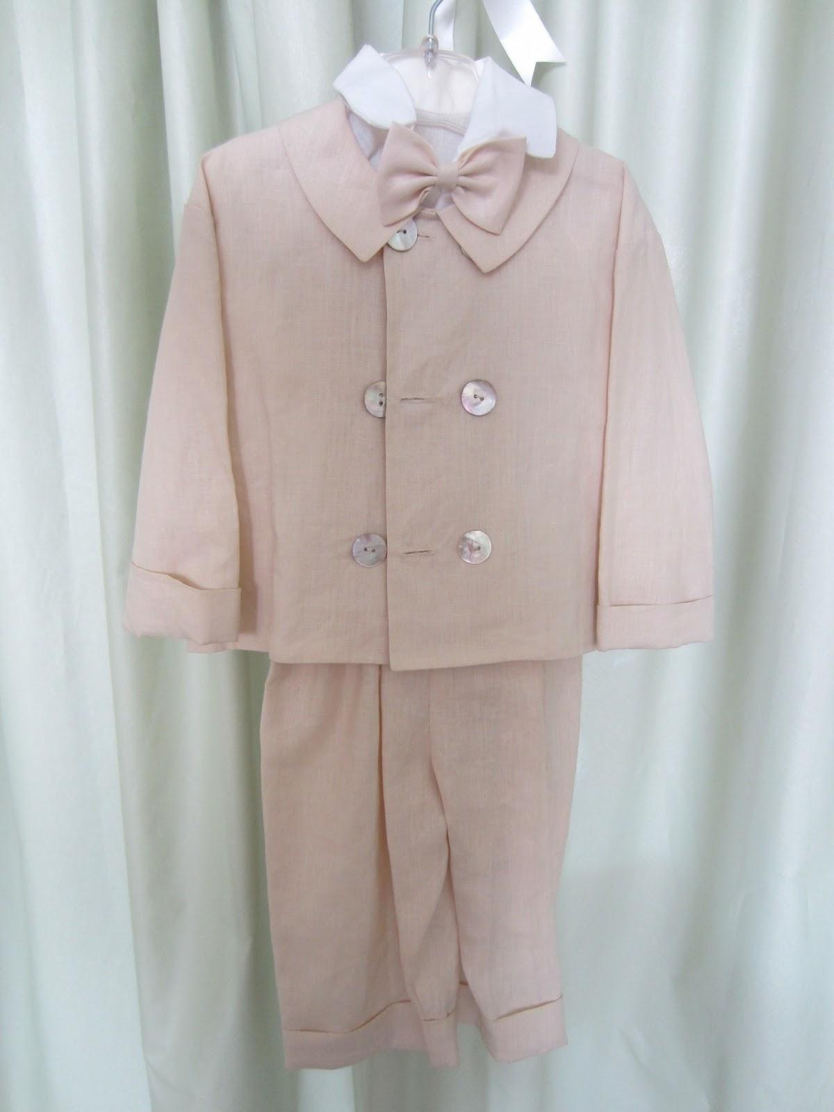 d7f7745af5b Παντελόνι, πουκάμισο, παπιόν, σακάκι και καπέλο, λινά. Νο 2. Τιμή: 40 ευρώ.