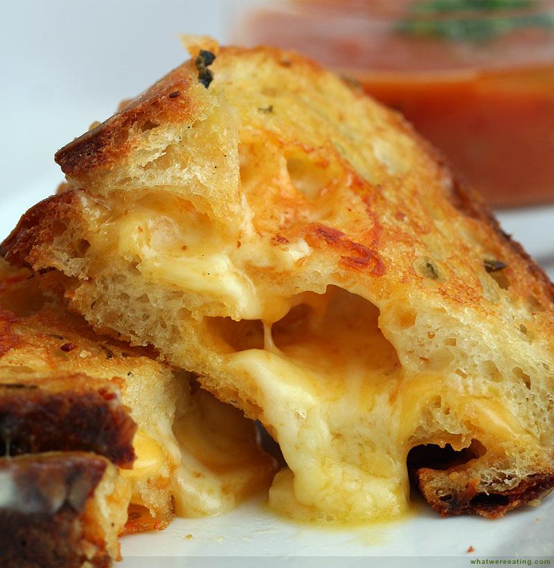 2000 Dollar Budget Wedding: Gourmet Grilled Cheese Bar