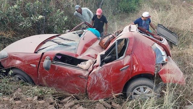 Fisioterapeuta que trabalhava em Cajazeiras morre e cantora Robertinha Maia fica gravemente ferida após grave acidente de carro nesta quinta-feira (16)