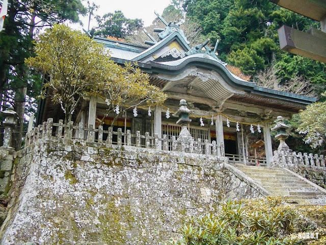 奈良県十津川村「玉置神社」の社殿